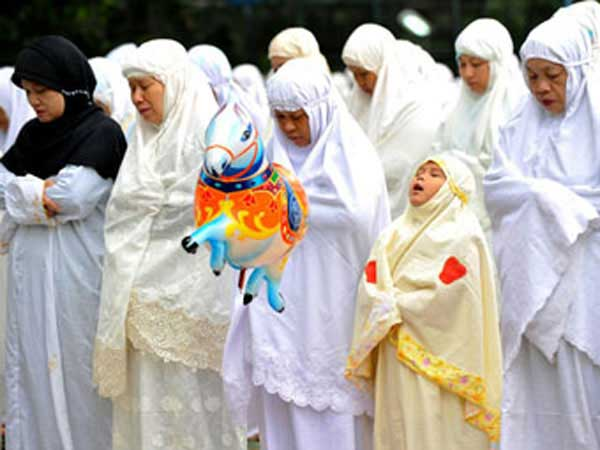 Muslim women in Jakarta praying on Eid al-Adha.