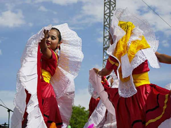 Dancers celebrating Cinco de Mayo.